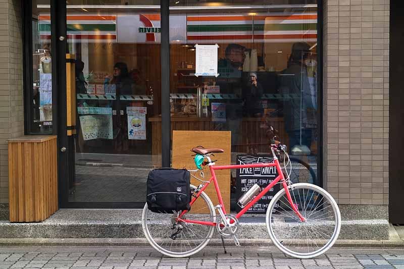 จักรยาน tokyobike ติด rack ก็นำมาใช้งานแบบ light touring ได้