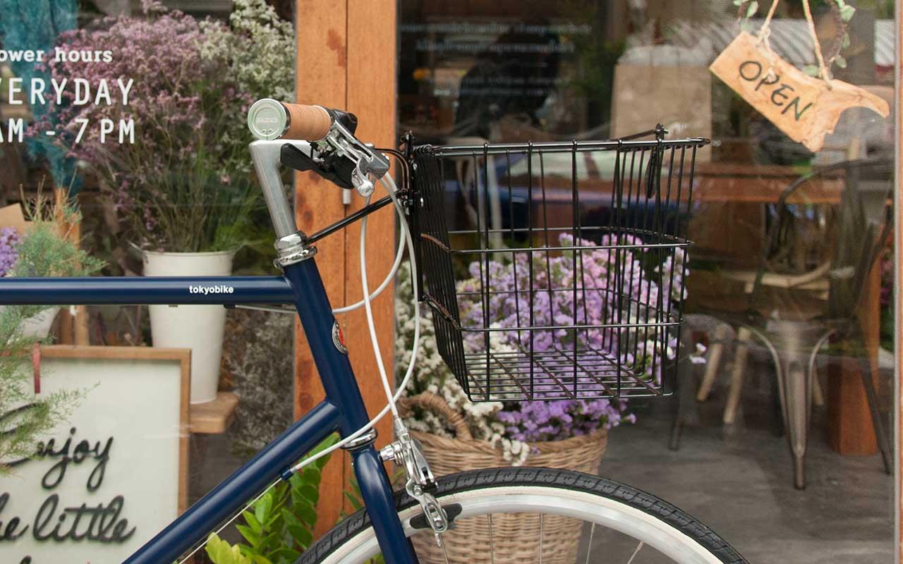tokyobike plus+ tokyobike 26 with basket